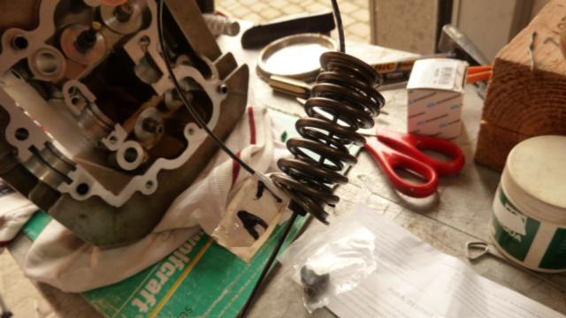 Revisione gommini guidavalvole e smerigliatura sedi - Pagina 2 P1040017