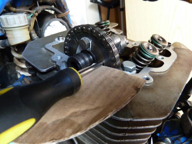 Revisione gommini guidavalvole e smerigliatura sedi - Pagina 2 P1040116