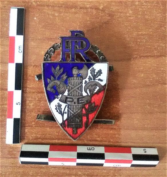 Quelques objets anciens de la police. Img_2063
