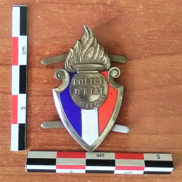 Quelques objets anciens de la police. Img_2064