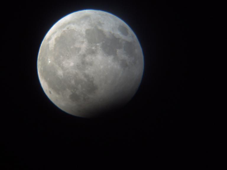 رصد آخر خسوف للقمر في عام 2009.. Pict0010