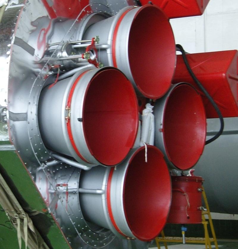 Pourquoi les tuyères de la R7 sont-elles rouge? Tuyere10