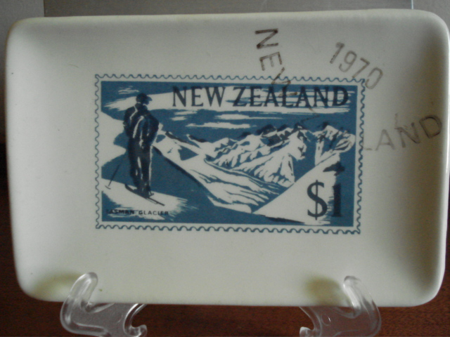 New Zealand stamp dishes Dsc01910