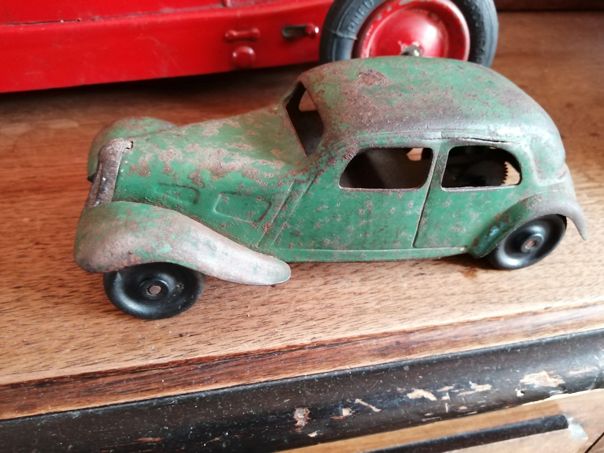 Citroën, les jouets : Traction CIJ et JRD 12 cm pas plus!  Img_2031