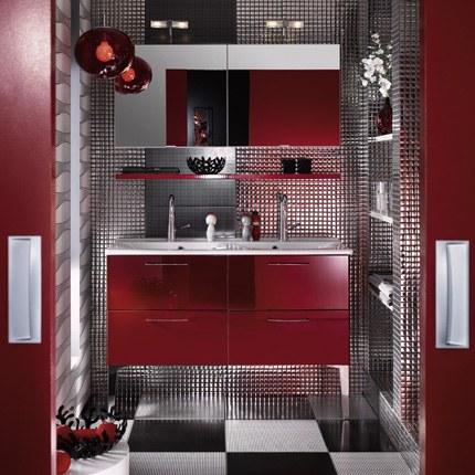 Salle de bain blanche et rouge à rafraîchir - Page 1
