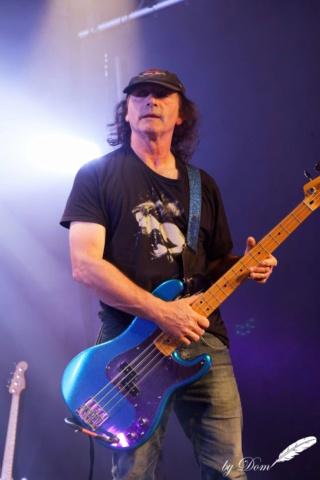 Dark Revenges le  bassiste GG a décidé de quitter le groupe pour...... 21814410
