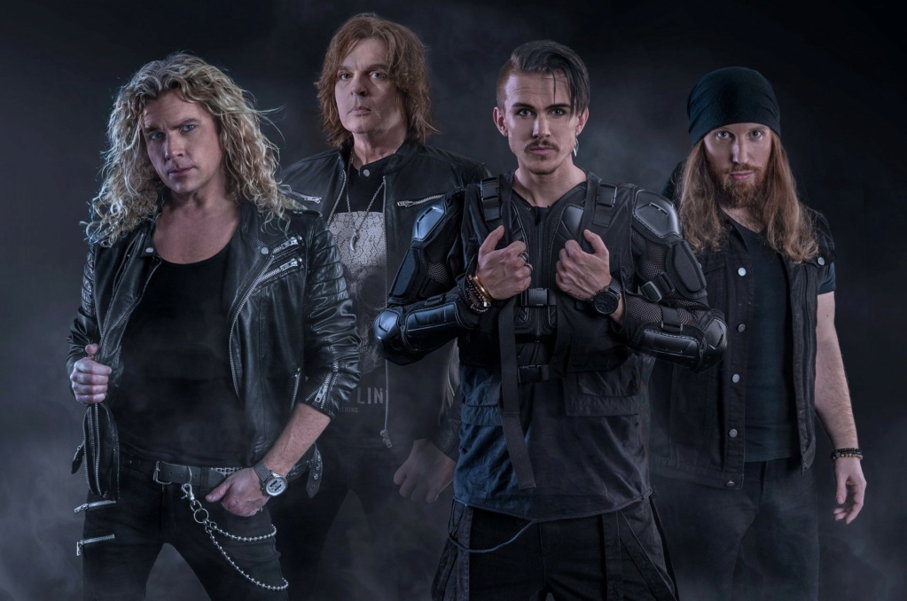 CROWNE (Melodic Hard Rock)  Kings In The North, à paraître le 18 Juin 2021 7hfhlk10