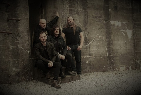 SILVERA (Heavy Rock)  Edge Of The World, sorti le 16 Octobre dernier Aaa552