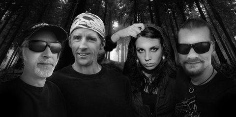 LEFT HAND SOLUTION (Doom Metal) sortiront leur nouvel album courant 2021.  Aaa7810