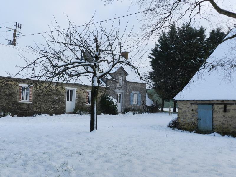 neige ludique en Mayenne (26 janvier 2013) Vauvar15