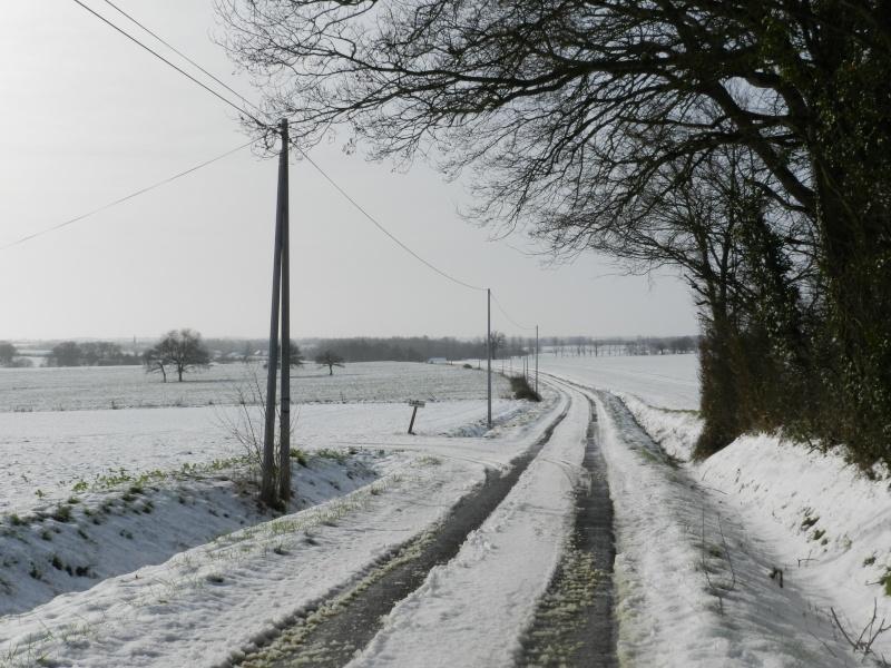 neige ludique en Mayenne (26 janvier 2013) Vauvar27