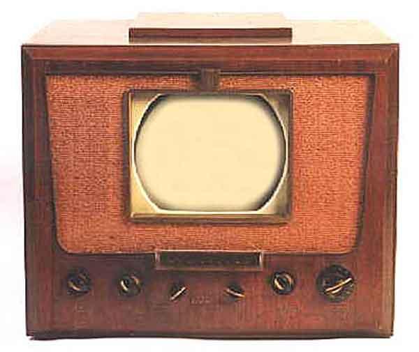 RCA Victor 8-TR-29 tv/radio. A project in progress... Rca_8t10