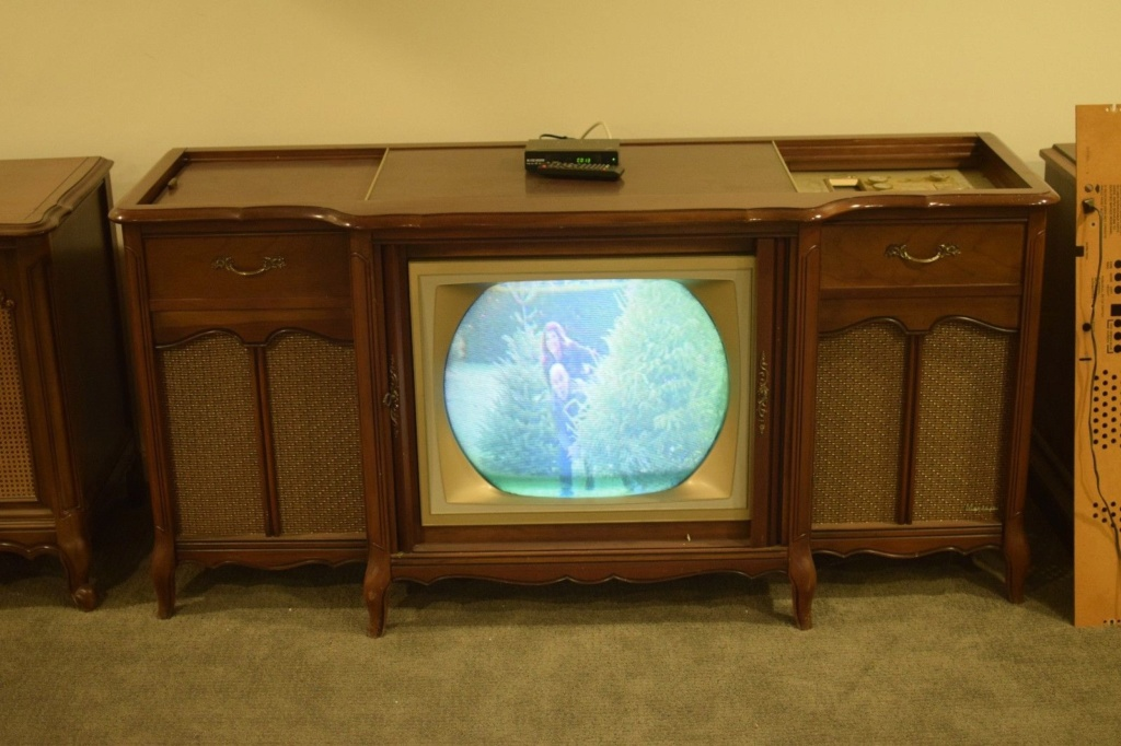 1963 Magnavox Color TV Theater S-l16012