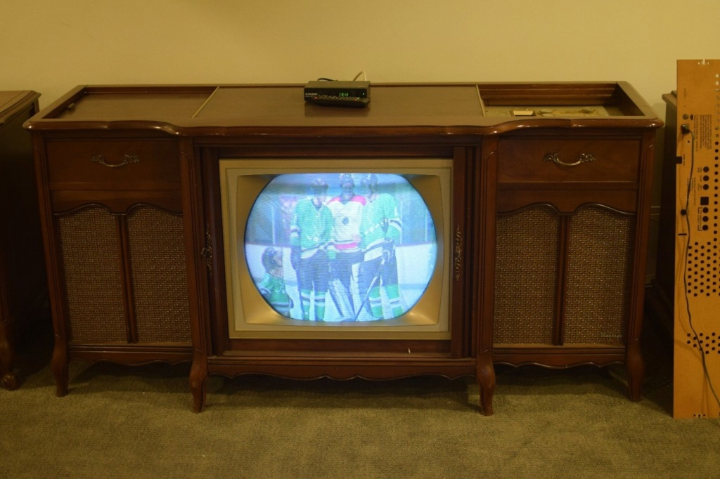 1963 Magnavox Color TV Theater S-l16013