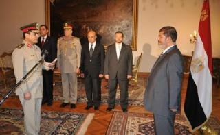 الجيش و الإخوان يتجهان نحو تأسيس نظام إسلامي ناصري  13554010