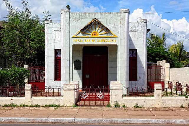 LAS LOGIAS EN CUBA Luz_de11