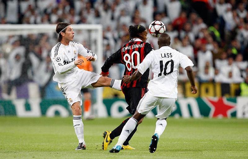 AC Milan : Ronaldinho duke i 'dredh' Realet e Madridit Ronald10