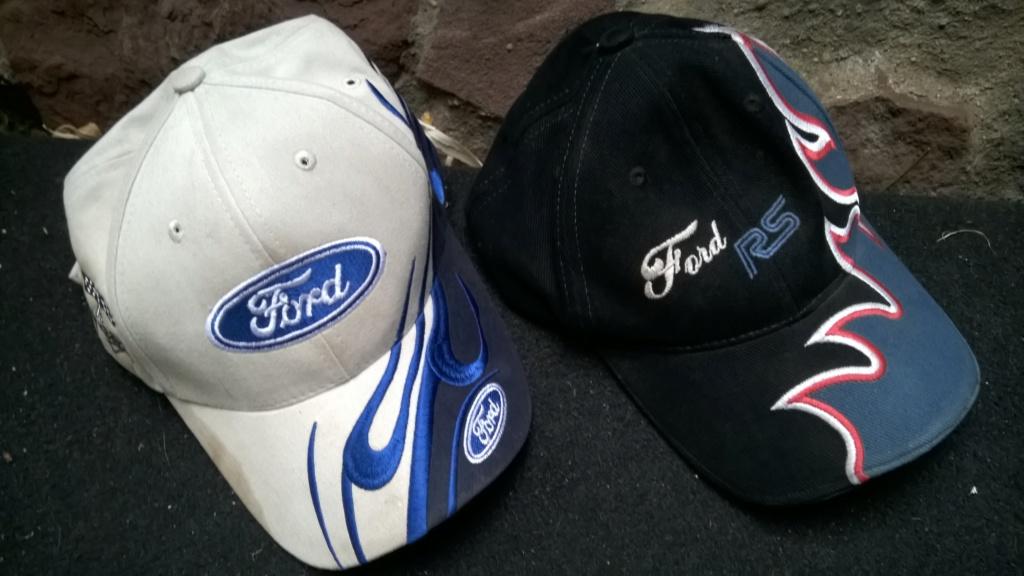 deux casquette Ford Wp_20110