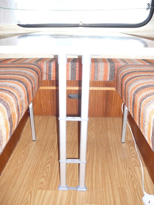 Table sans pattes P1050413
