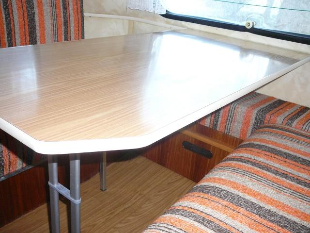 Table sans pattes P1050414