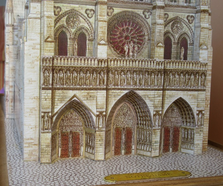 Kathedrale Notre Dame, 1:250, L'Instant Durable Img_0014