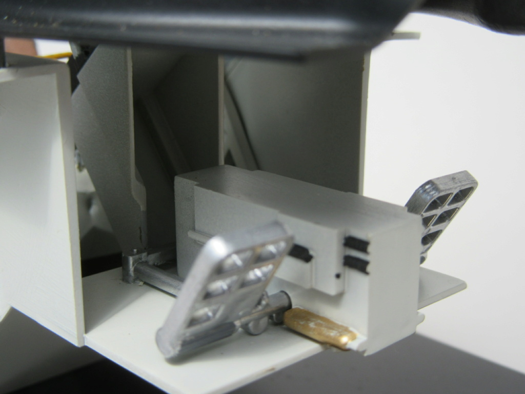 Cockpit F-16, Italeri 1:12 Img_0254