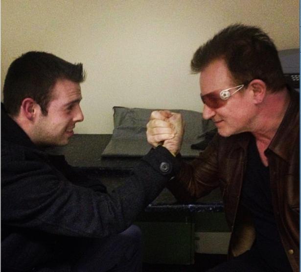 Sexy U2 [Parte 6] - Pagina 28 Bono_210