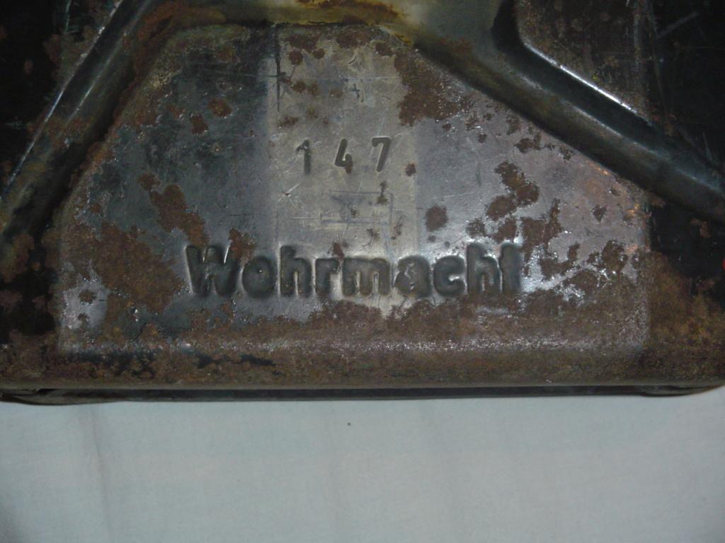 Wehrmacht Wasserkanister  - Page 3 Jerryc12