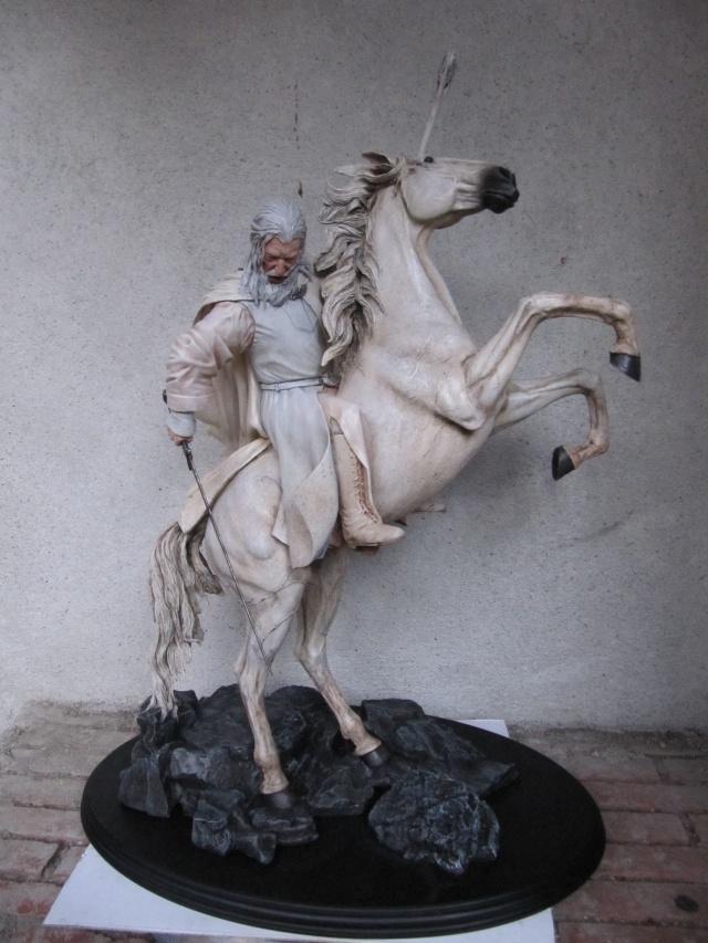 repaint statue weta sideshow bowen . Img_9413