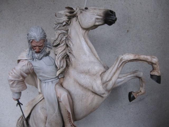 repaint statue weta sideshow bowen . Img_9414