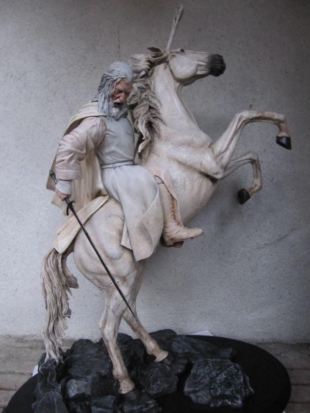 repaint statue weta sideshow bowen . Img_9415