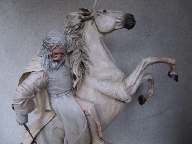 repaint statue weta sideshow bowen . Img_9416