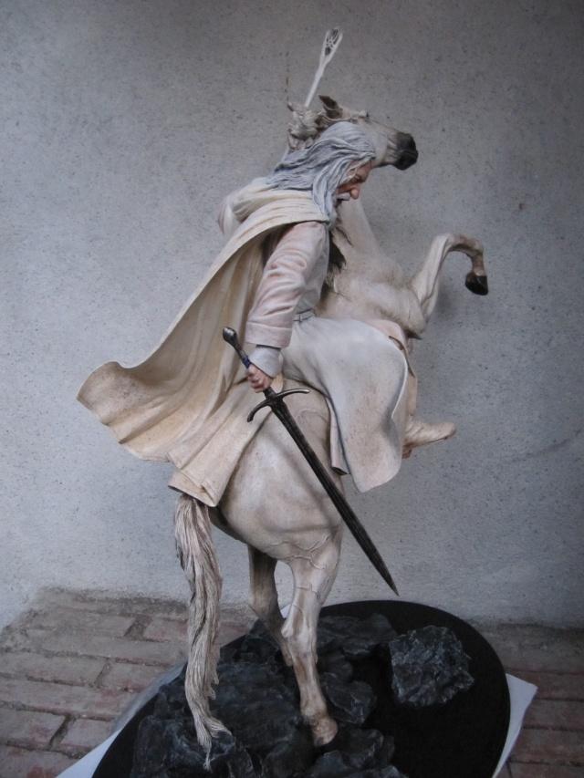 repaint statue weta sideshow bowen . Img_9417