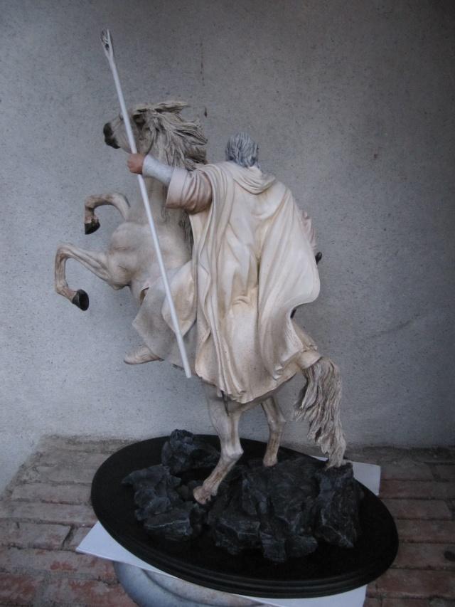 repaint statue weta sideshow bowen . Img_9418