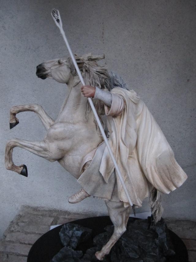 repaint statue weta sideshow bowen . Img_9419