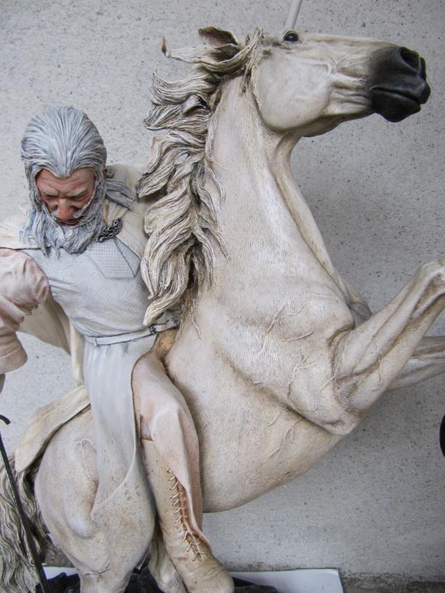 repaint statue weta sideshow bowen . Img_9421