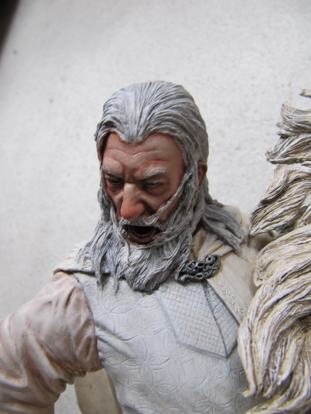 repaint statue weta sideshow bowen . Img_9422