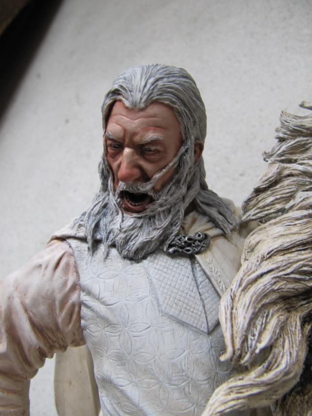 repaint statue weta sideshow bowen . Img_9423