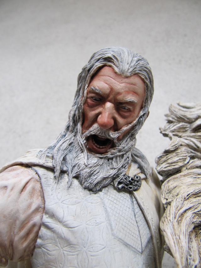 repaint statue weta sideshow bowen . Img_9424