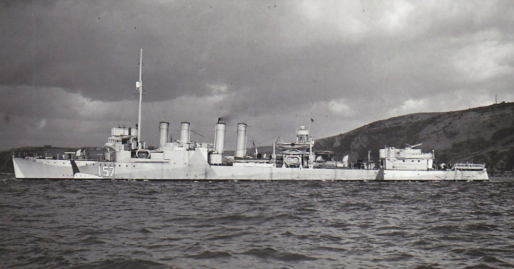 ROYAL CANADIAN NAVY - LES DESTROYERS Niagar10
