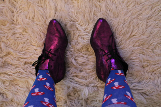 Parce que les filles, ça aime les poupées et les chaussures - Page 3 Shoes10