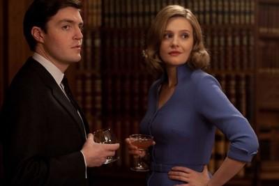 The Hour, un nouveau drama très 50's pour la BBC - Page 4 The_ho10
