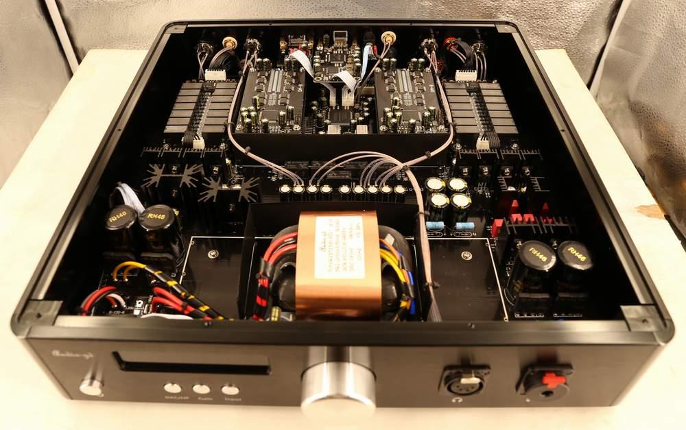 Audio-Gd R28 con R-2R Resistor Ladders DAC R28410