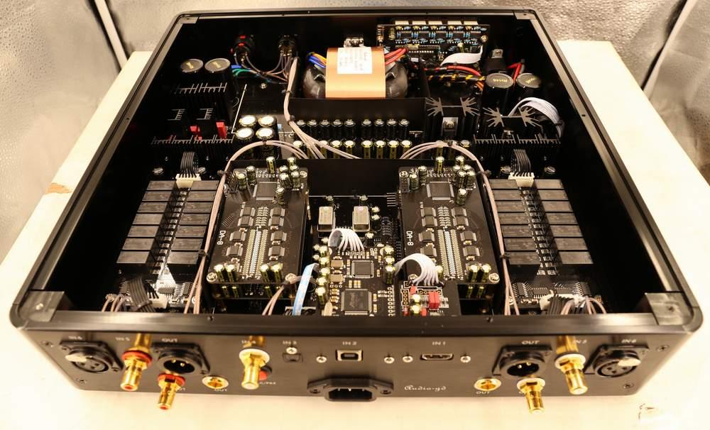 Audio-Gd R28 con R-2R Resistor Ladders DAC R28610