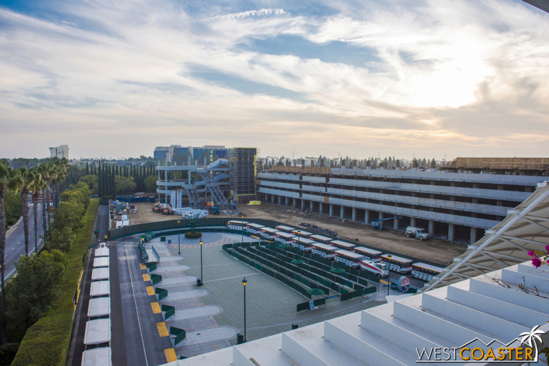 [Disneyland Resort] Projet de troisième parc et nouveaux parkings - Page 7 Dlr-1812