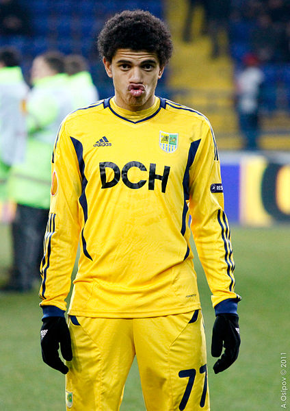 Chelsea are closing in on the signing of Metalist Kharkiv midfielder Taison 424px-10