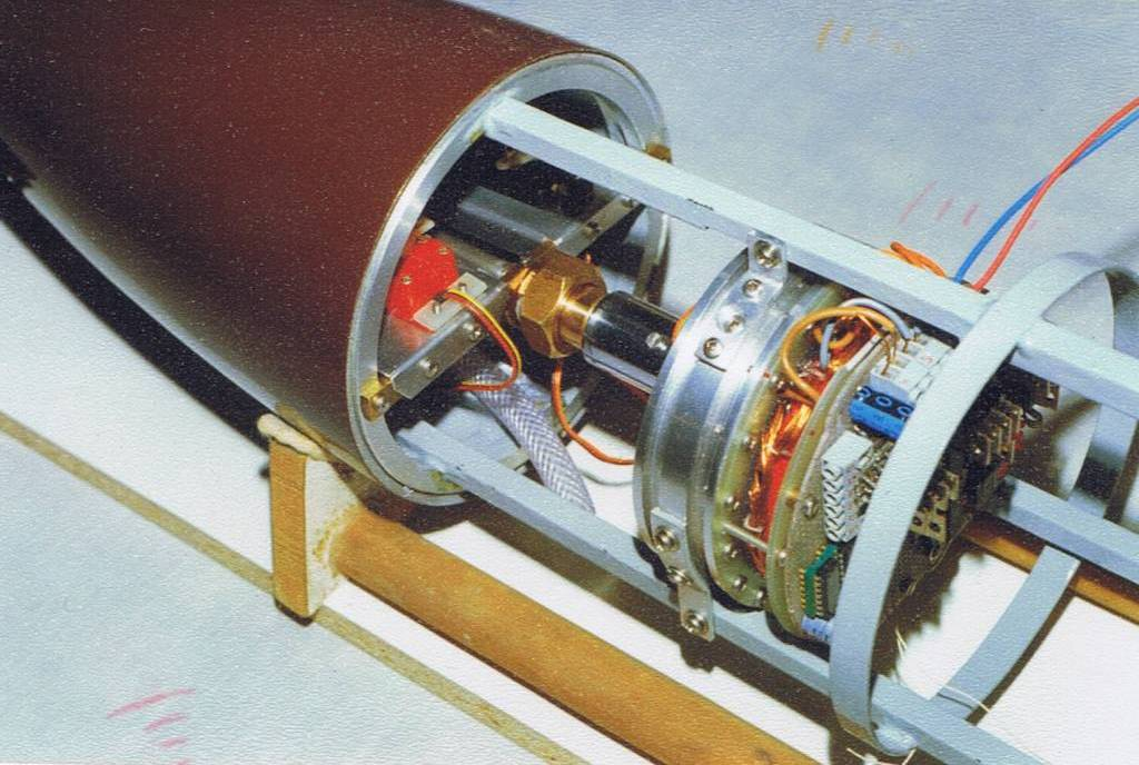 the hermetically sealed class 206A submarine Motor_11