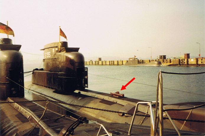 the hermetically sealed class 206A submarine Unbena12