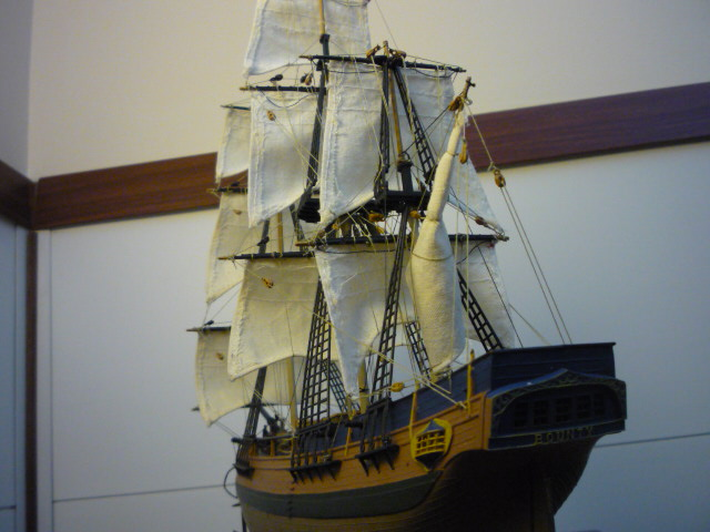 HMAV Bounty 1783 amélioré (Revell 1/110°) de alexander47 P1080211