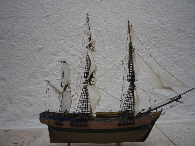 HMAV Bounty 1783 amélioré (Revell 1/110°) de alexander47 P1080212